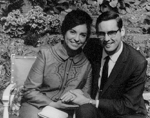 Roger Clist and Jeunesse Chappell are engaged!<br>20 September 1971, London.